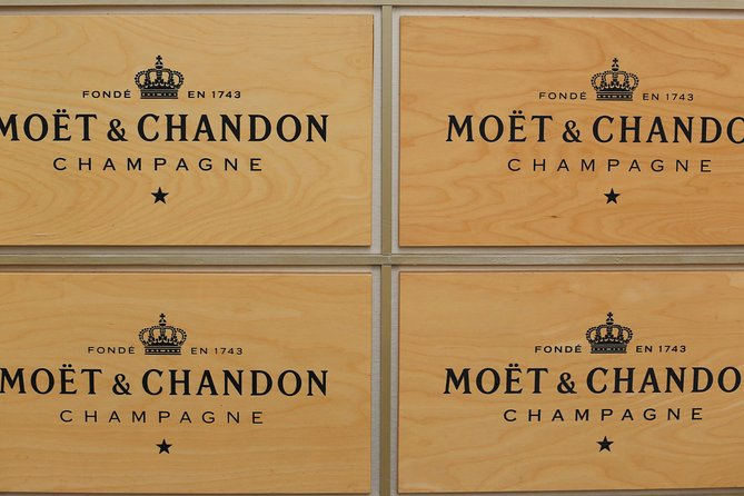 Champagne Day Trip with Moet&Chandon, Reims Cathedral & Family Winery from Paris