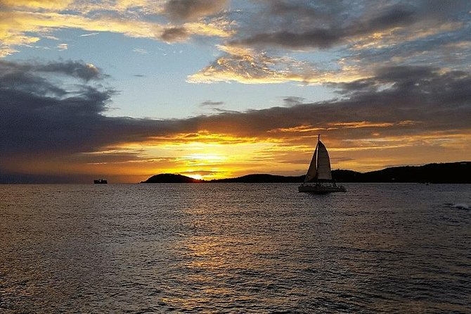 Sunset Sail with Cocktails and Appetizers