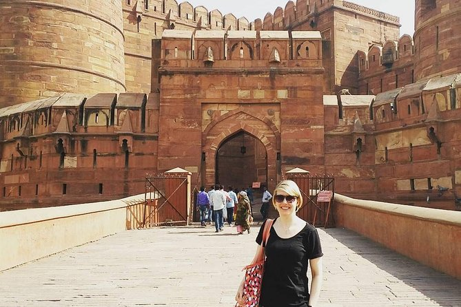 Agra Fort Entrance Ticket With Guide