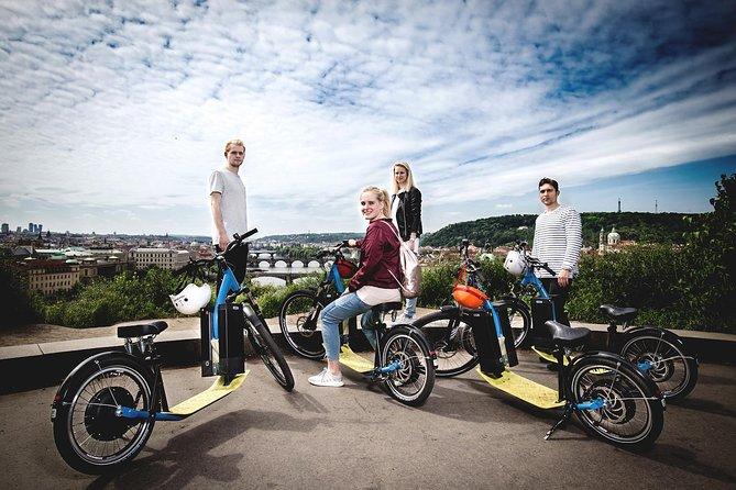 Prague E-Scooter Tour: Grand City Tour PRIVATE