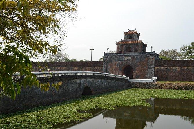 A Glimpse of Hue Tour