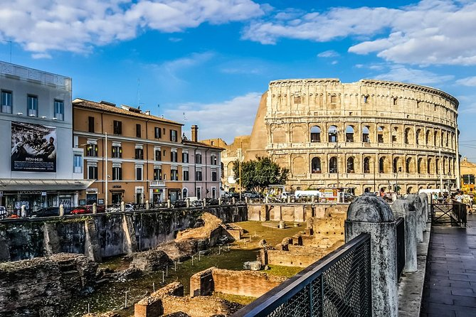Private 4-Hour City Tour of Colosseum and Rome Highlights with Hotel Pick up