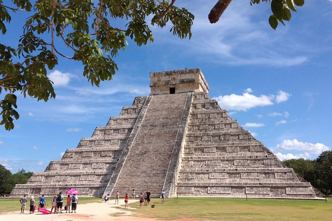 Visit to Chichen Itza, Ik Kil Cenote and Valladolid with Lunch from Cancun