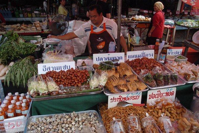Half Day Or Tor Kor Market Group Tour
