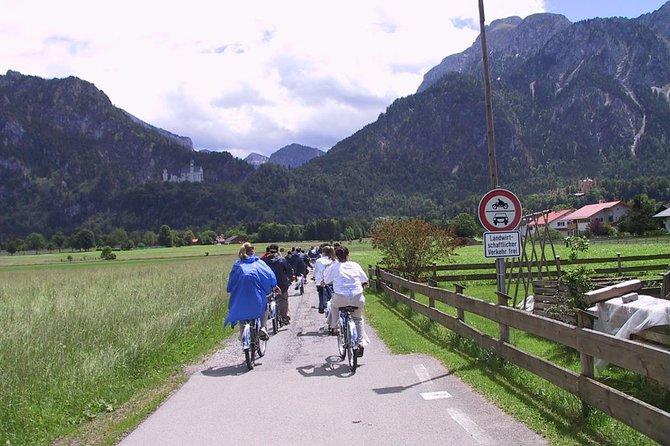Neuschwanstein castle BikeTour from Munich by train incl.bike ride in fuessen