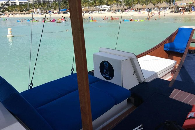 Aruba VIP Morning Delight Champagne Sailing and Snorkeling Cruise with Lunch