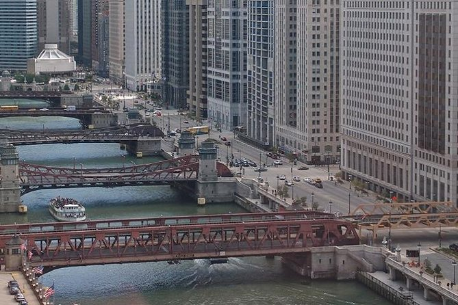 Chicago River Walking Tour