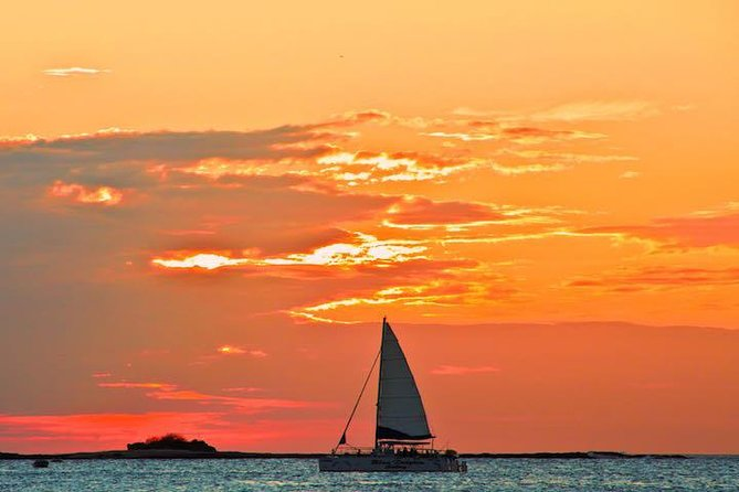 Catamaran Sunset Cruise of Tamarindo Beach