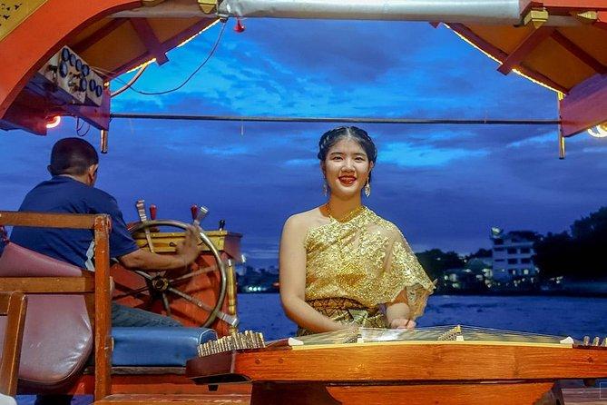 Wan Fah Dinner Cruise in Bangkok with Return Transfer & Live Music