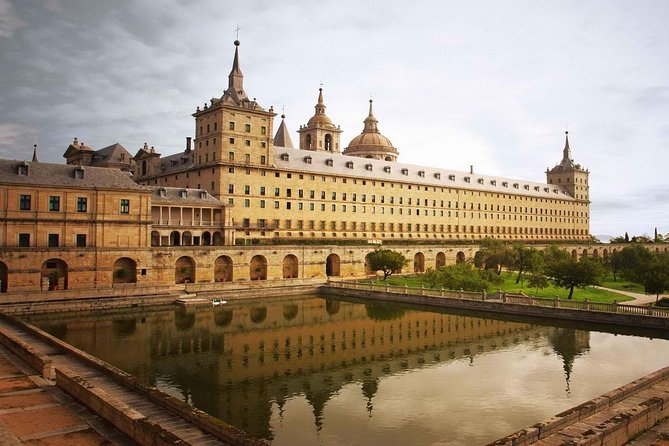 El Escorial and Valley of the Fallen Private Tour