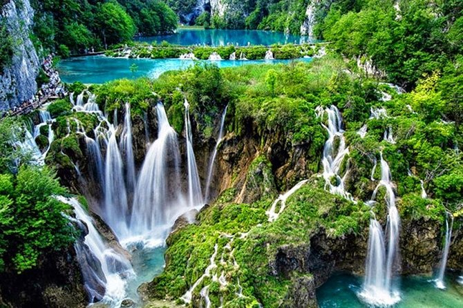 Plitvice Lakes Private Guided Day Trip from Zagreb