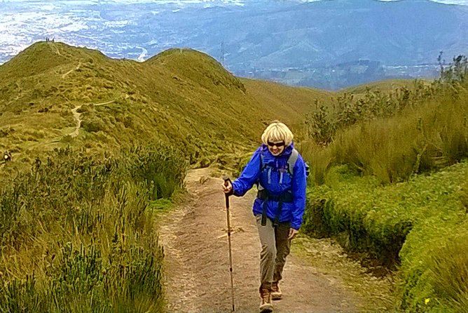 Private Trekking Tour to Ruco Pichincha & Teleferico