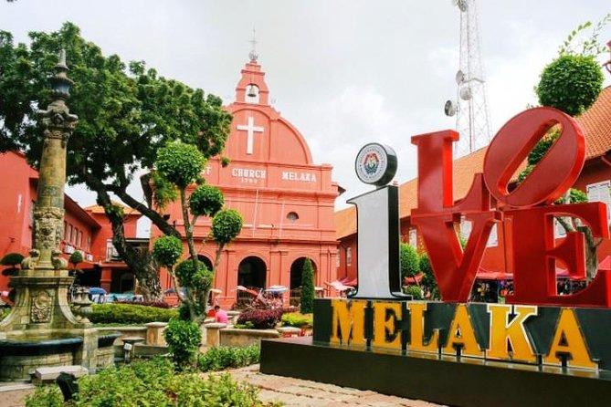 SMALL GROUP: Kuala Lumpur & Malacca Semi-Guided Day Trip from Singapore (600 Mi)