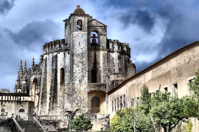 Convent of Christ, Batalha and Alcobaça Monasteries Tour from Lisbon