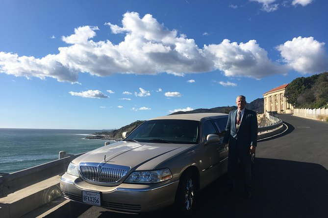 Deluxe Los Angeles 5-Hour Limo Tour with Drinks Included