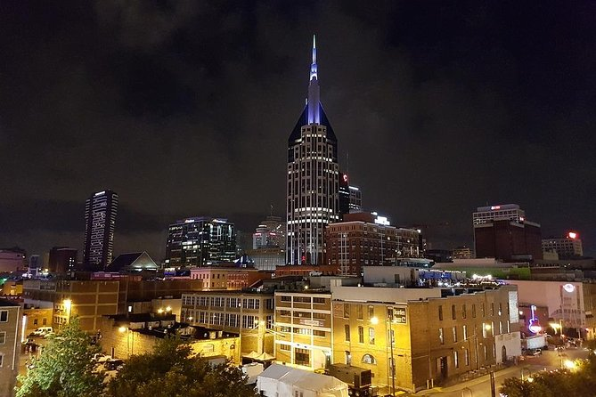 Nashville at Night-Time Trolley Tour with Photo Stops