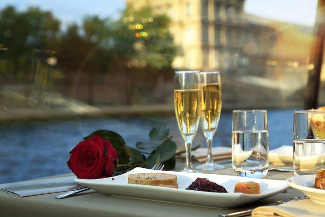 Bateaux Parisiens Valentine's Day Gourmet Seine River Dinner Cruise & Live Music