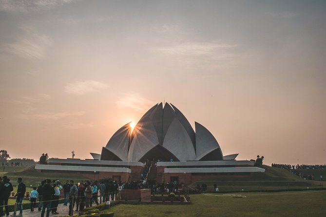 Old Delhi Walk & temple's visit Combo Tour (8 Hours) Inc. Hotel Pick & drop