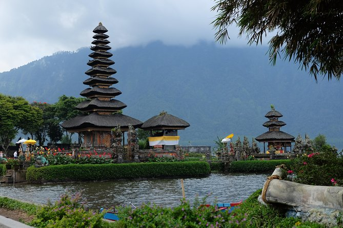 Full-Day Private Tour: Ulun Danu Bratan Temple with Tanah Lot Sunset