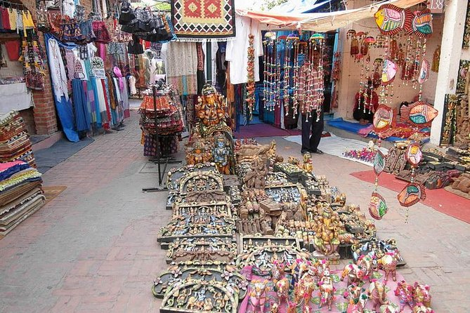 Half Day Delhi Shopping Tour - A Guided Experience