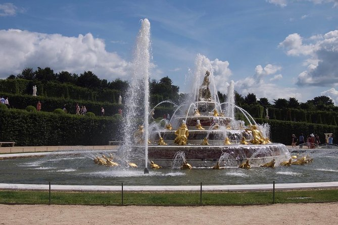Versailles Palace Skip the line Guided Tour with Fountains Show Option