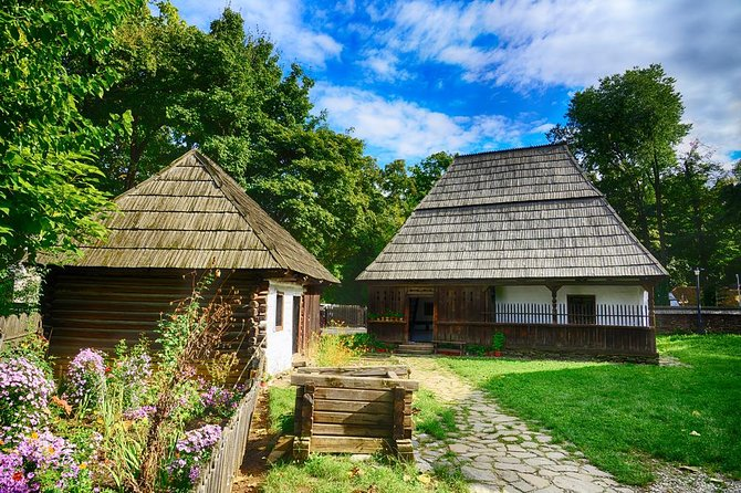 Bucharest City Tour with included Village Museum- Small group tour
