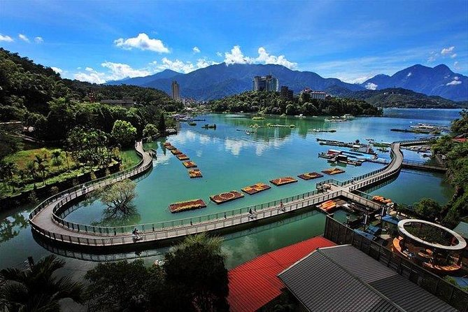 4 Days Taiwan Tour (Daily )Sun Moon lake, Kaohsiung, Kenting by train and coach
