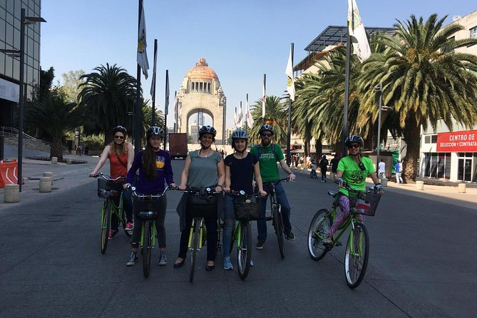 Mexico City Bike and Cultural Tour (DIEGO RIVERA`S MURALS/PAPANTLA FLYERS SHOW)