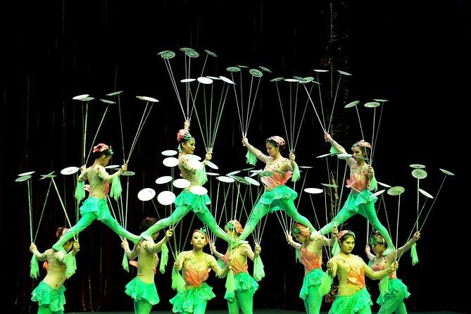 China Acrobatics Show and Shanghai Evening Tour
