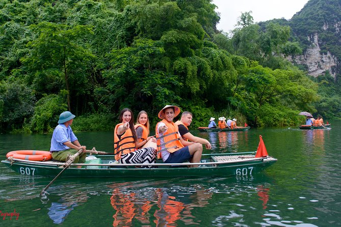 1 Day Luxury Tour in Bai Dinh, Trang An and Mua Cave