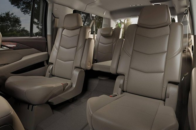 Private Transfer: Las Vegas to LAS Airport by Luxury SUV or Limousine up to 8 p