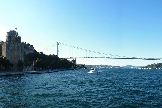 Morning Bosphorus Boat Tour and Afternoon Ottoman Relics Tour in Istanbul with Lunch