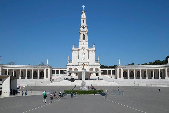 Private day tour Fatima,Batalha, Nazaré e Obidos