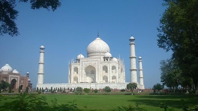 Private Sunrise Tour To Taj Mahal From Delhi By Car