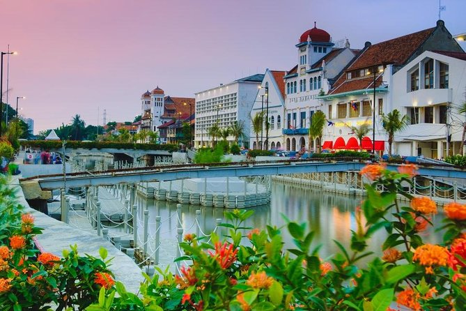 Halfday Excursion Old city Batavia with Lunch,Free Souvenir & Insurance