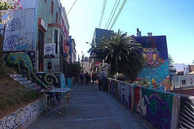 Valparaiso Tour (World Heritage Site) and Casablanca Vineyard (FROM SANTIAGO)