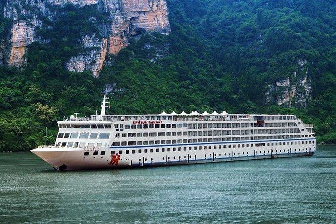 Yangtze River Cruise from Chongqing to Yichang Downstream in 4 Days 3 Nights