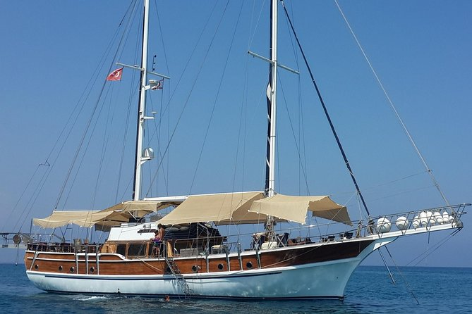 From Larnaca Packagefor5P Yacht Tour, Kyrenia Castle, 2wayTransfer Buffet Lunch
