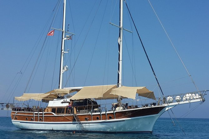 From Larnaca Packagefor7P Yacht Tour,Transfer 2way Kyrenia Castle, Buffet Lunch