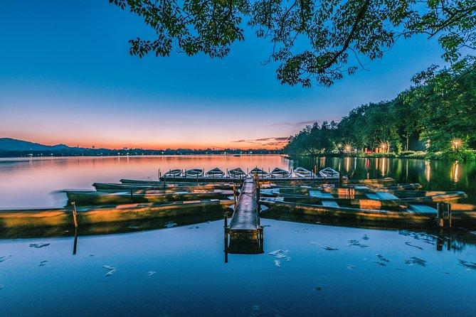 Hangzhou West Lake Night Boat Cruise with Impression West Lake