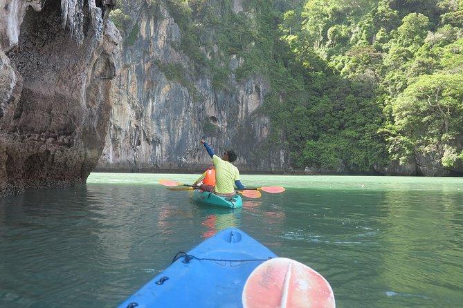 A full day exploring kayaking 3 islands (Talabeng sea cave) from Lanta