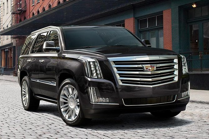 Arrival Private Transfer: Midway Airport MDW to Chicago in Luxury SUV
