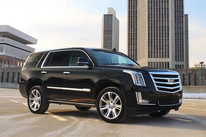 Arrival Private Transfer: O'Hare Airport ORD to Chicago in Luxury SUV