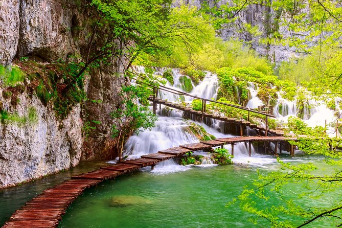 Plitvice Lakes Small Group Guided Tour from Zagreb