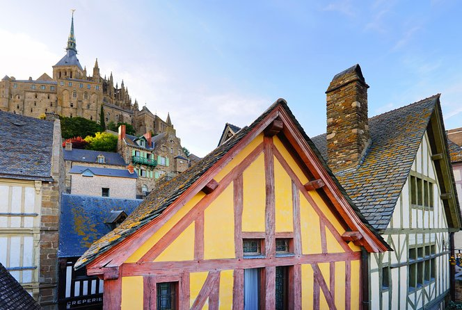 Mont Saint-Michel Guided Day Trip with Lunch from Paris