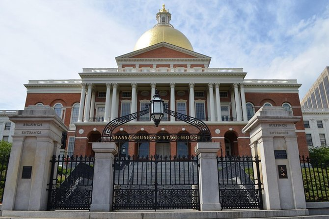 Boston - Beacon Hill: At your leisure and your pace. An audio walking tour.