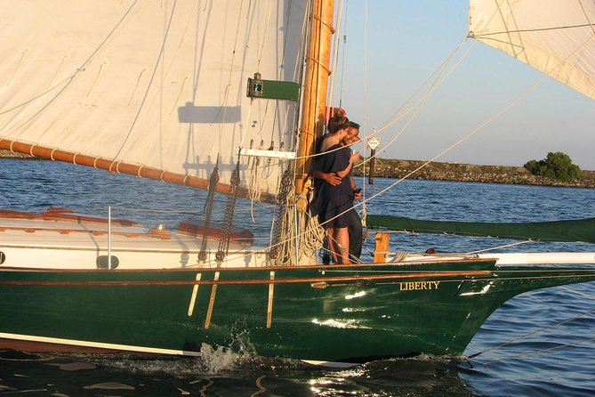 Small Group Classic Sunset Sail in San Diego