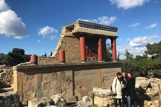 Travel Crete - Visit Knossos palace (Shared Tour)