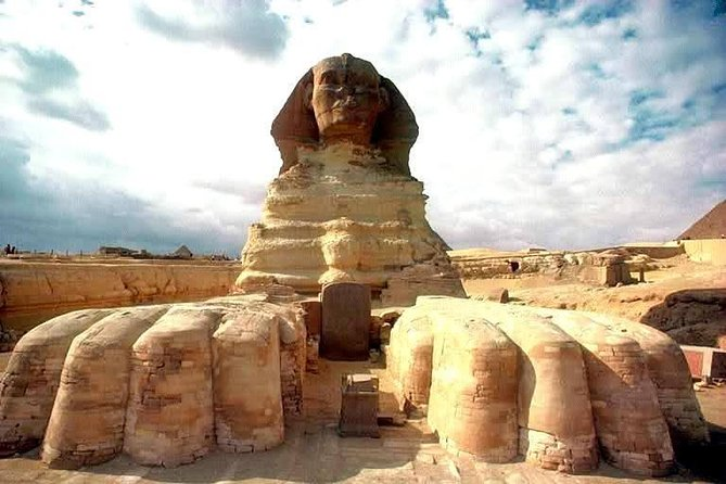 Best Private Full Day Tour to Giza Pyramids, Sphinx, Citadel and Old Cairo