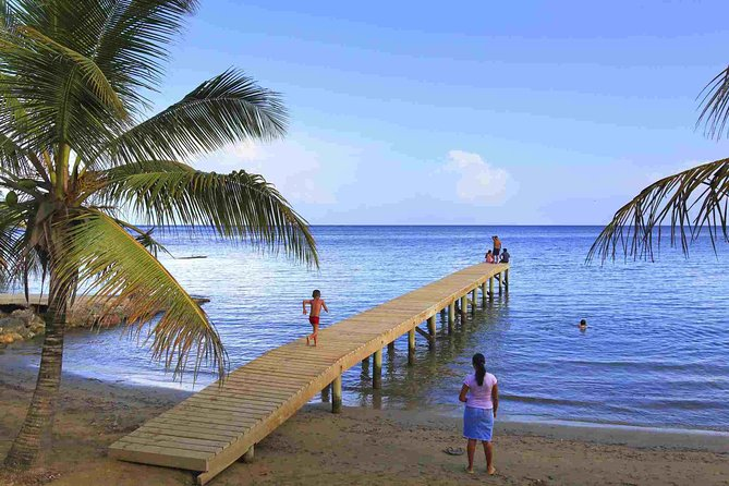 Discover Roatan - Visiting the different cultural villages of Roatan!